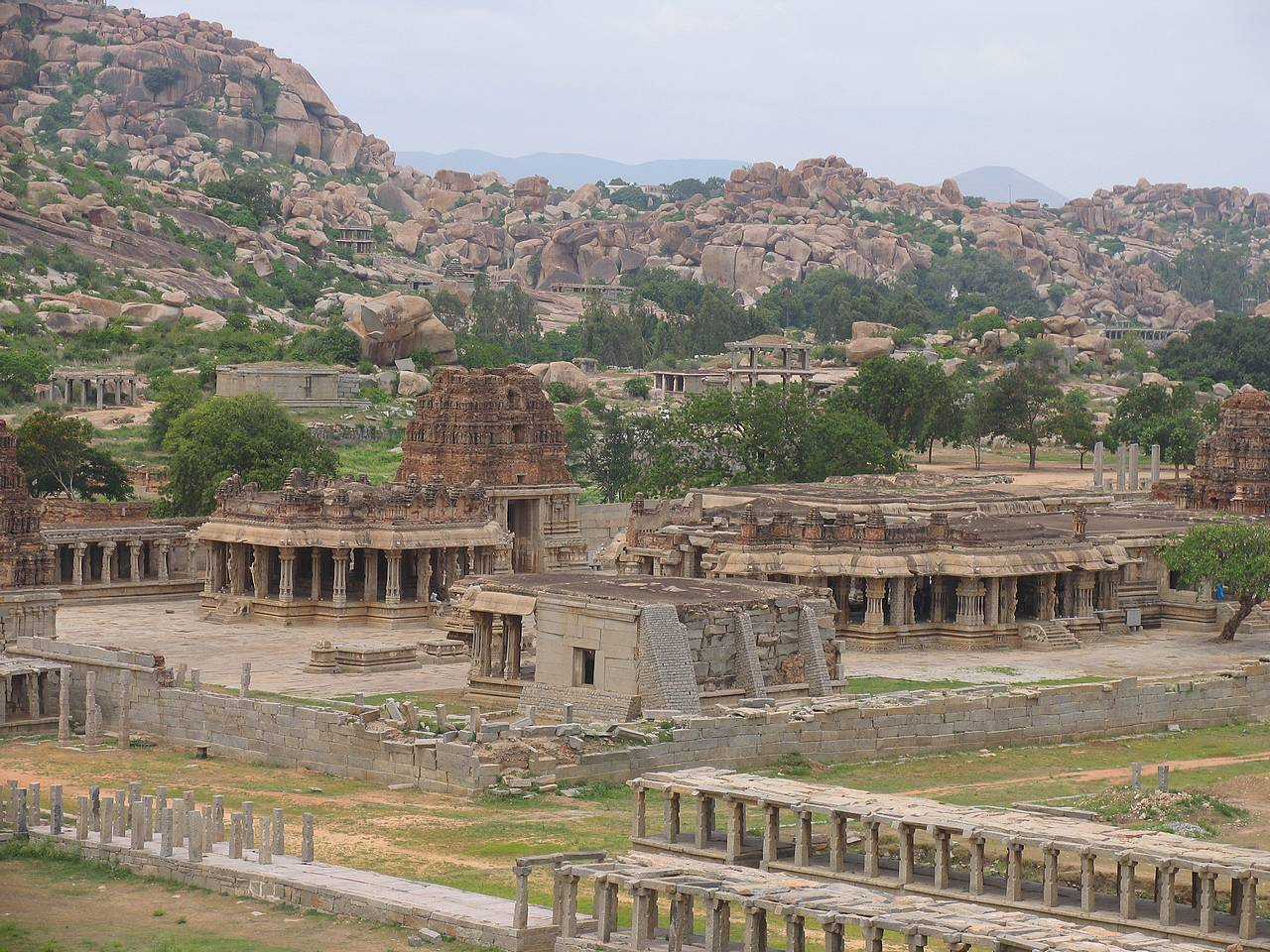 Hampi-temple-Vittala-view