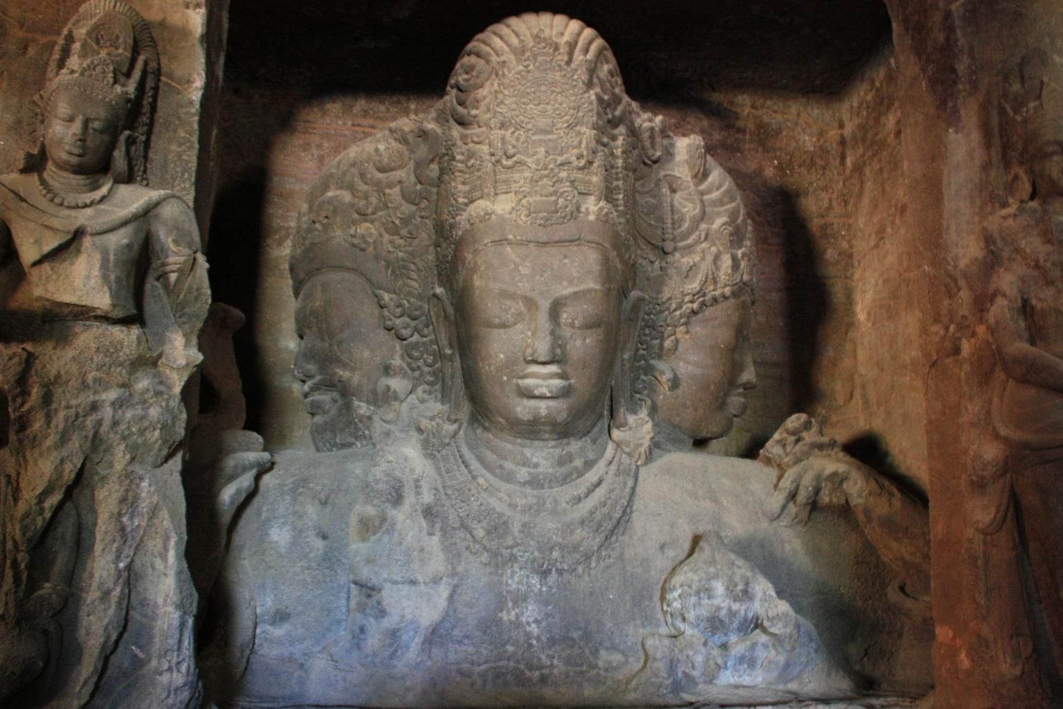 Trimurti_Elephanta_Caves1